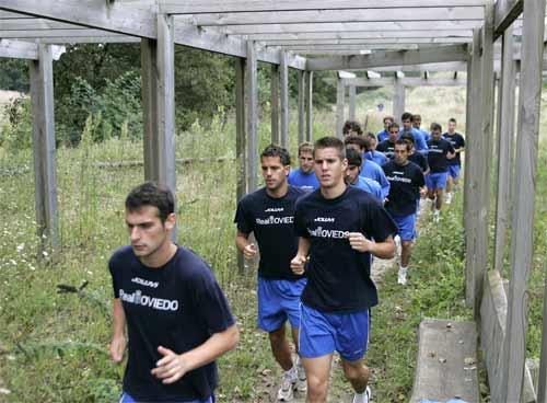 Adrián encabeza al grupo en un entrenamiento (Archivo MO)