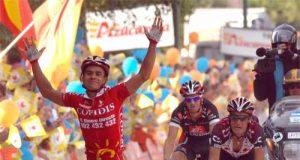 Duque entra en la meta de Puertollano (Foto: Unipublic)