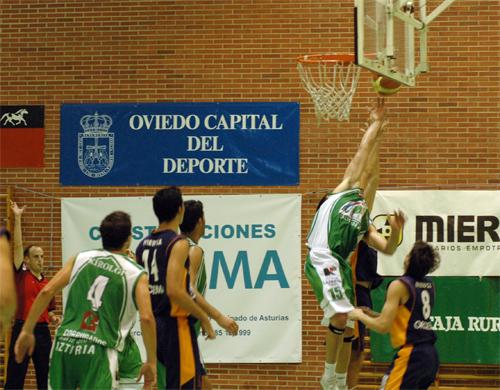 Tras su derrota en casa, el Domo vence en Galicia
