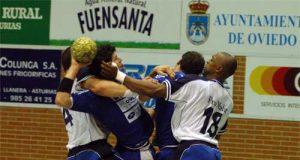 Imagen del partido jugado ayer en Vallobín