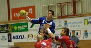 El Naranco venció al Huesca en Vallobín