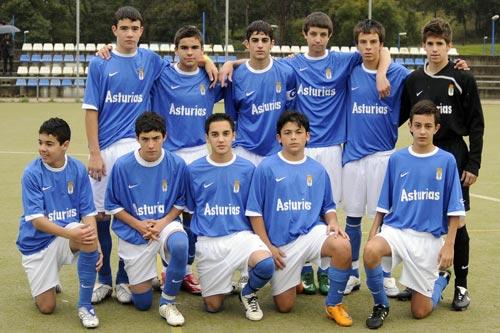 Equipo cadete del Real Oviedo que participará en la Nike Cup (Archivo MO)
