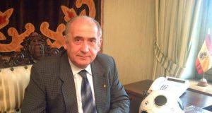 Vicente Gotor, con su carnet del Real Oviedo (Foto: Real Oviedo)