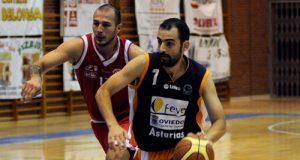 Adrián Macía, en el partido ante Ferrol (Foto: Zureda Press)