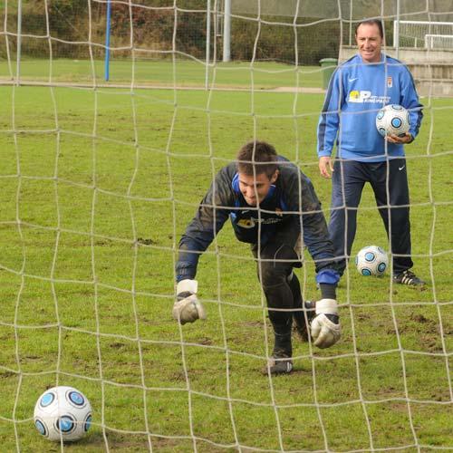 Pichi Lucas y Serrano, durante el trabajo con los porteros (Foto: Zureda Press)