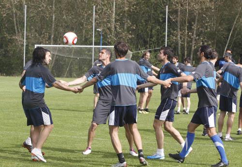 Imagen del entrenamiento de ayer en El Requexón (Foto: Zureda Press)