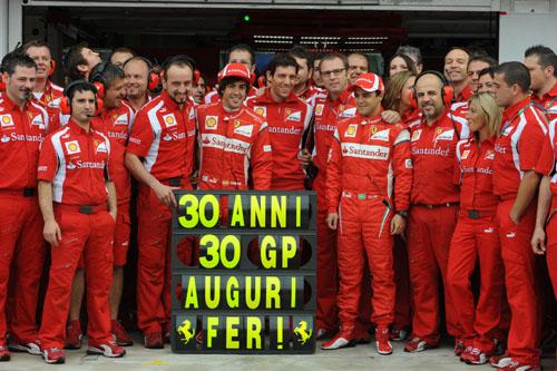 El equipo Ferrari felicita a Alonso por su trigésimo cumpleaños (Foto: © Ferrari S.p.A.).