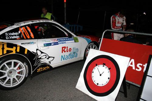 Sergio Vallejo, en el reagrupamiento del Carlos Tartiere (Foto: www.rallyprincipe,com).