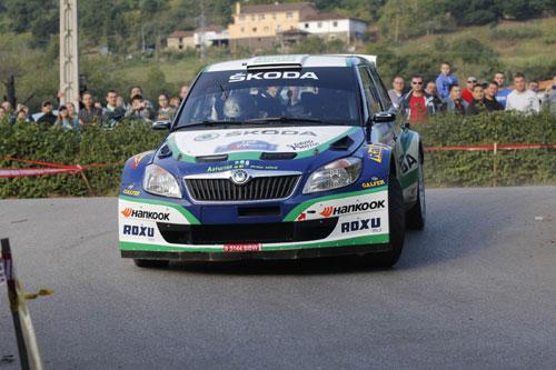Hevia, en uno de los tramos de ayer (Foto: www.rallyprincipe.com).