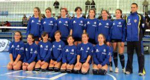 El equipo infantil femenino del club ovetense, que ha subido de categoría (Foto: Archivo MO).