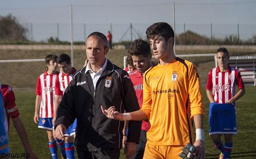 Juan Fidalgo, junto al portero Monchu en un partido del cadete A (Foto: Dawlad).