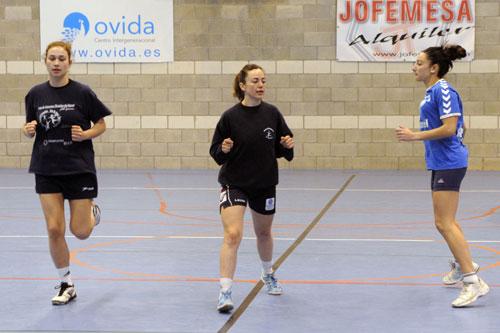 Sara García, Vicky y Sara, entrenando (Foto: Zureda Press).