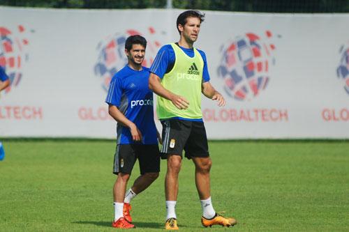 Pereira, junto a David Fernández, esta mañana en El Requexón (Foto: Zureda Press)
